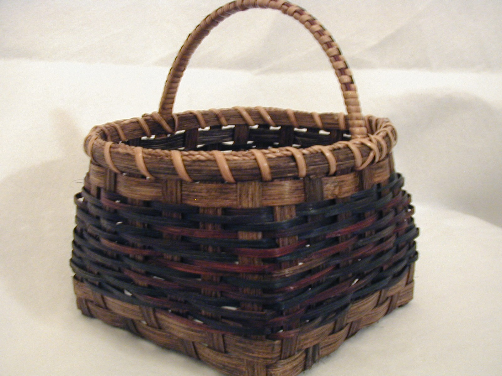 MIxed Reed Black, Red, Oak Basket .jpg